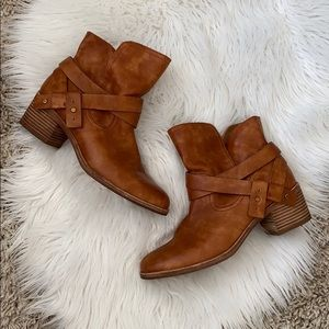 UGG Elora brown leather suede ankle booties
